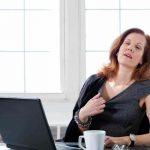 Przyczyny uderzeń gorąca - 5 powodów niezwiązanych z menopauzą.