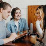 PRZYJAŹŃ W MIEJSCU PRACY? - Tak! Jak nawiązać dobre relacje ze współpracownikami.