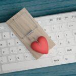 Jak rozpoznać fałszywe profile na portalach randkowych?